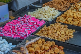 candy-at-the-market_15349724638_o